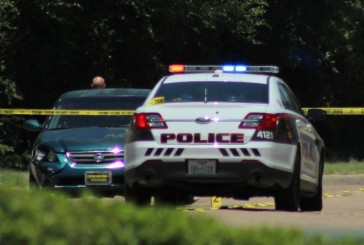 Suspects linked to Lewisville homicide still at large
