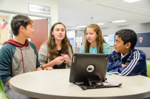 lisd-kids-looking-at-computer-technology3