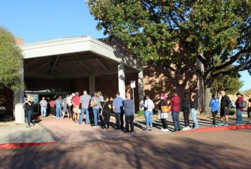 More than 200k vote early in Denton County