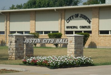 Mayor of Justin resigns