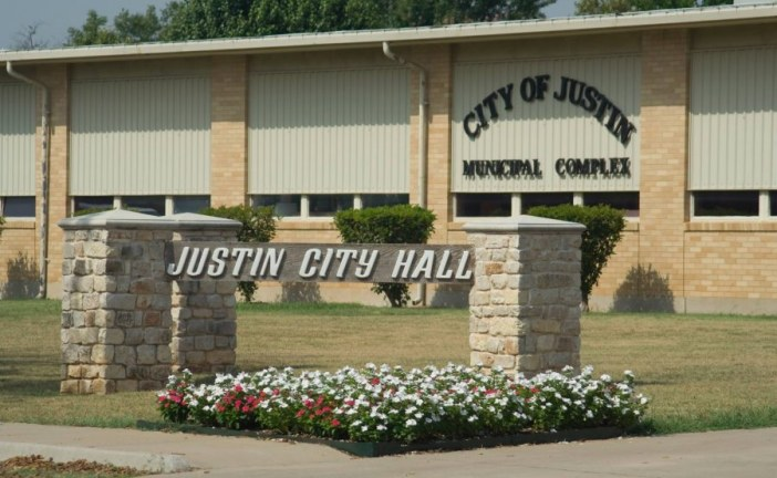 Mayor of Justin resigns
