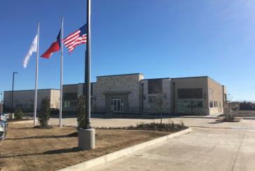 Northlake closes town hall