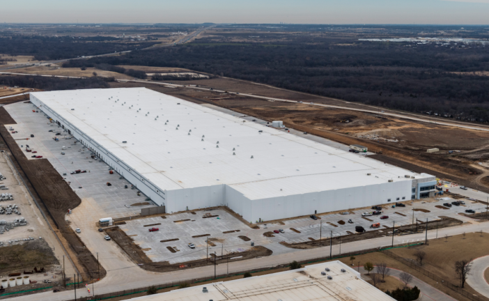 New distribution center in Northlake to create 300 jobs