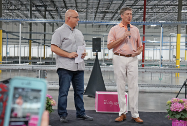 Thirty-One Gifts cuts ribbon on distribution center in Flower Mound