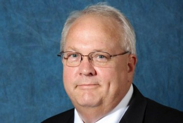 Lewisville mayor to leave post as chief appraiser