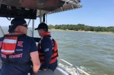 Two men survive hours in Lake Grapevine after boat sinks