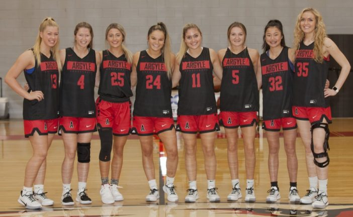 Basketball Preview: Girls gunning for greatness