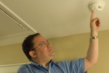 Turn back the clock and change smoke alarm batteries this weekend