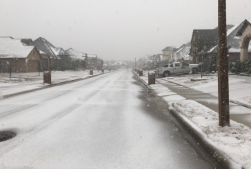 Snow falls on Denton County