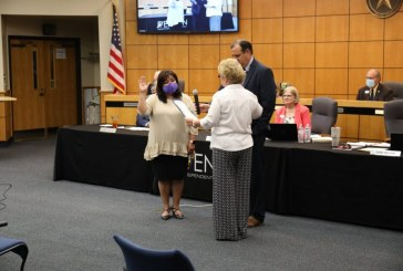 Denton ISD swears in new, returning trustees